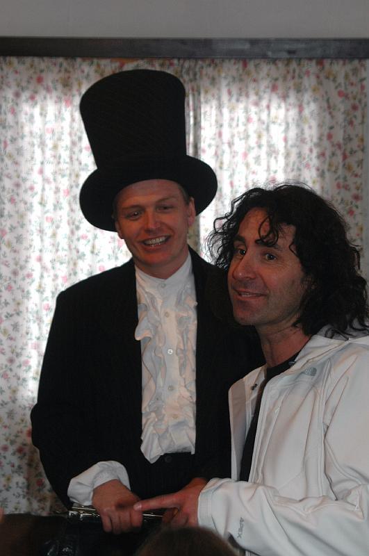 Wintercamp07-0313-zauberer Robert Ganahl mit joe fritsche